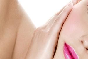 Δερμοαπόξεση με μικροκρυστάλλους: Φωτεινό πρόσωπο χωρίς ερεθισμό