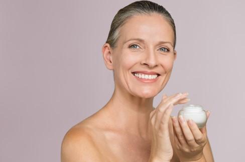 Η φροντίδα του δέρματος στην εμμηνόπαυση